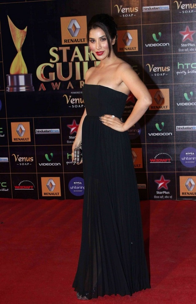Sophia-Choudhary-At-2013-Renault-Star-Guild-Awards