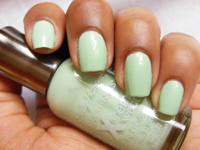 Sally Hansen Hard As Nails Xtreme Wear Nail Color Mint Sorbet NOTD