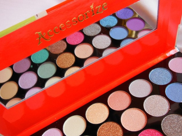 Accessorize 32 Eye Shadow Palette