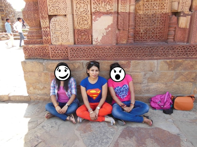 relaxing at Qutab Minar