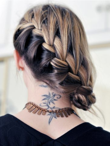 Different ways to French Plait Hair - Side French plait Bun