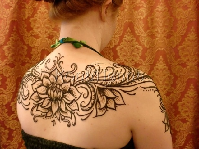 Best heena Tattoo Designs for Back - Lotus Flower Deisgn