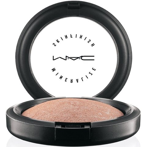 10-Best-MAC-Makeup-Products-MAC-Skinfinish-Highlighter