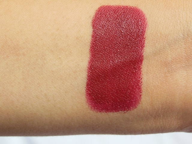 Maybelline Color Sensational Creamy matte Divine Wine Lipstick Swatch