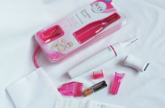 Veet Sensitive Touch Electric Trimmer package