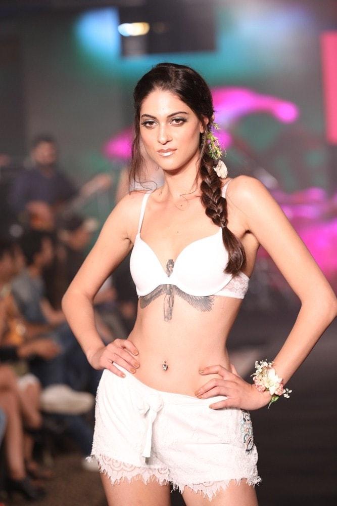 Models at Karishma Jumani Show IIFW (25)