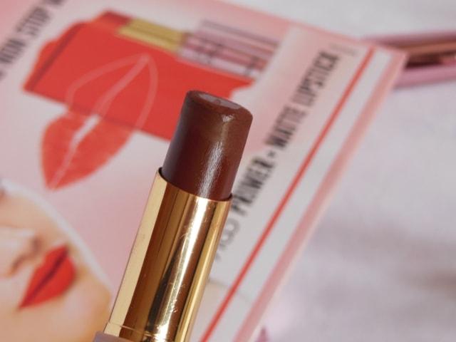 Lakme 9to5 Primer + matte Lipstick - Cherry Chic