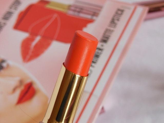 Lakme 9to5 Primer + matte Lipstick- Saffron Gossip