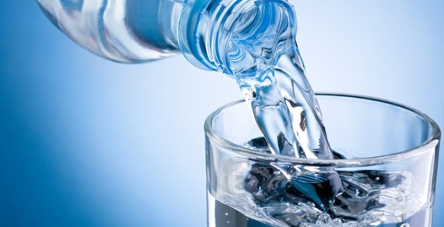 How to Prevent Bloating - Drink Water
