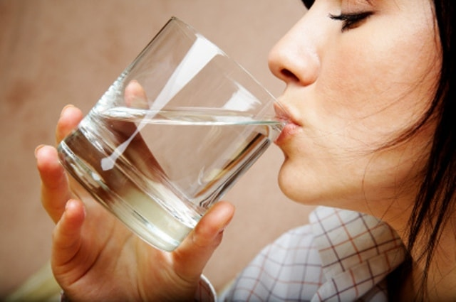 lifestyle Changes to prevent gas and bloating-Sipping