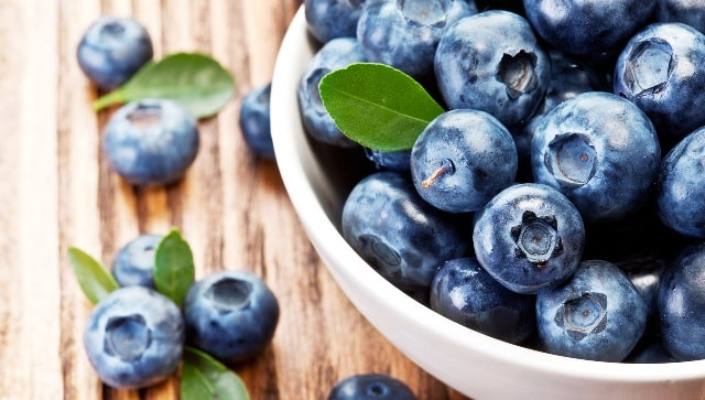 Super Foods That Every Woman Needs - Blueberries