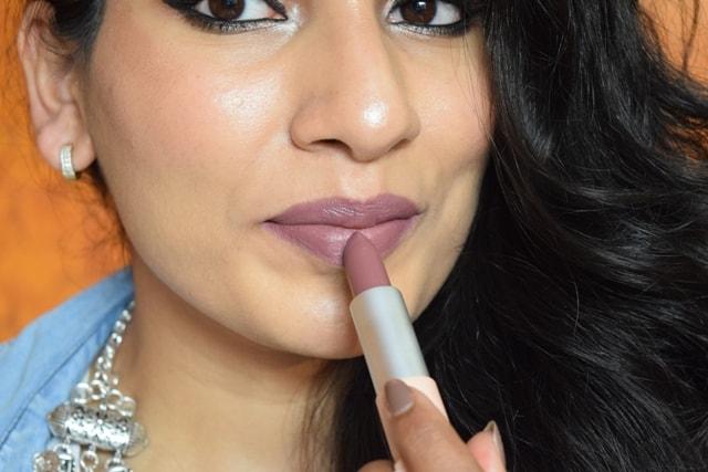 Maybelline X GIGI Hadid Lipstick - Erin Lip Swatch