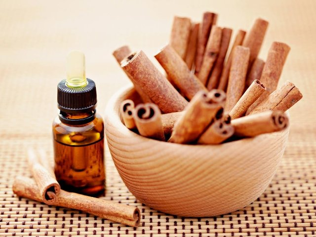 Best Essential Oils for weight loss - Cinnamon Essential Oil