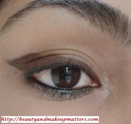 GraphicEyeLinerDesign-Staircase-Eye-Makeup-Look