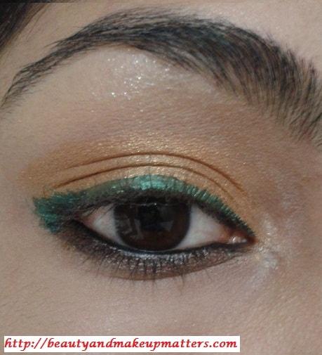 Golden-EyeShadow-With-ForestGreen-EyeLiner-Look