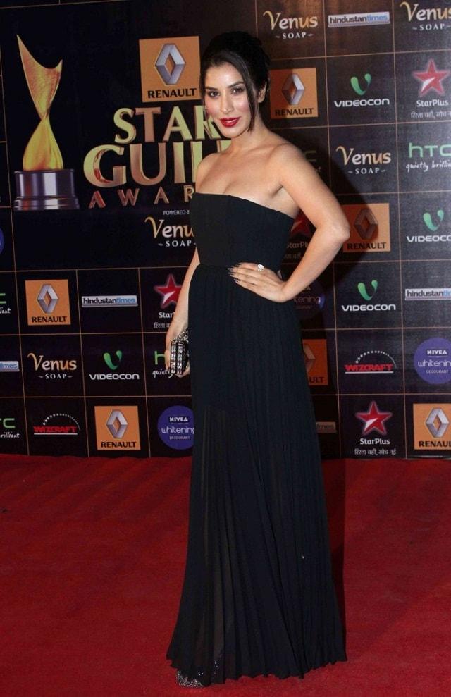 Sophia-Choudhary-At-2013-Renault-Star-Guild-Awards
