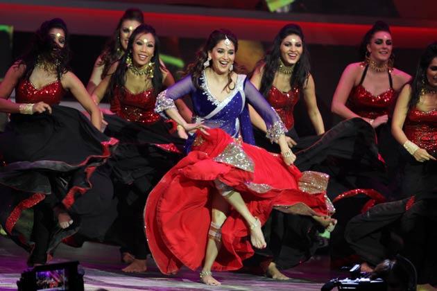 Madhuri Dixit at IIFA Awards 2013- Dance Performance