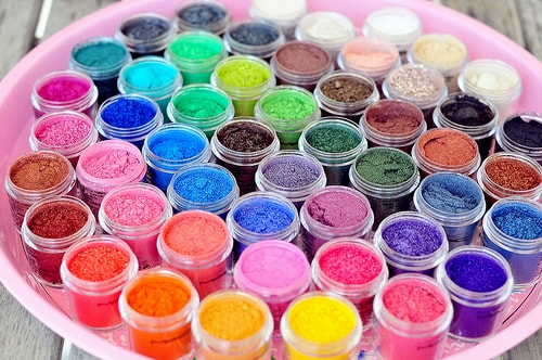 HAppy Holi with MAC pigments