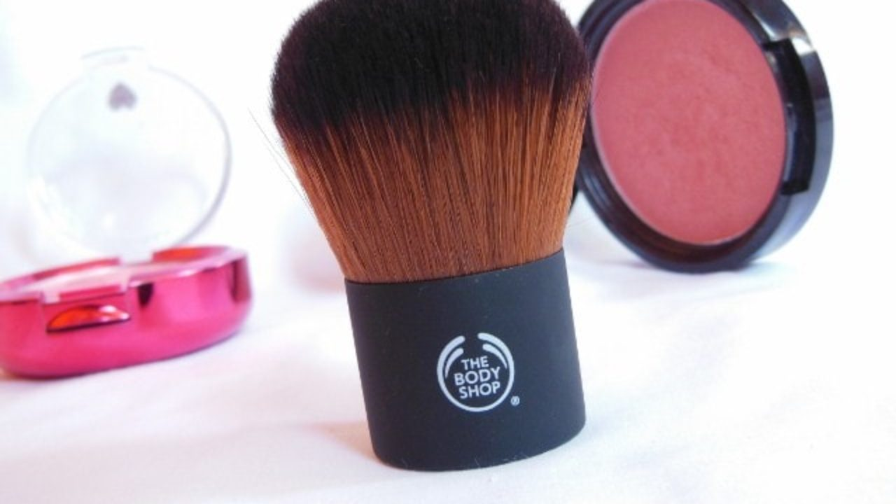 The Body Shop Extra Virgin Minerals Powder Foundation Brush Review Beauty Fashion Lifestyle Blog Beauty Fashion Lifestyle Blog