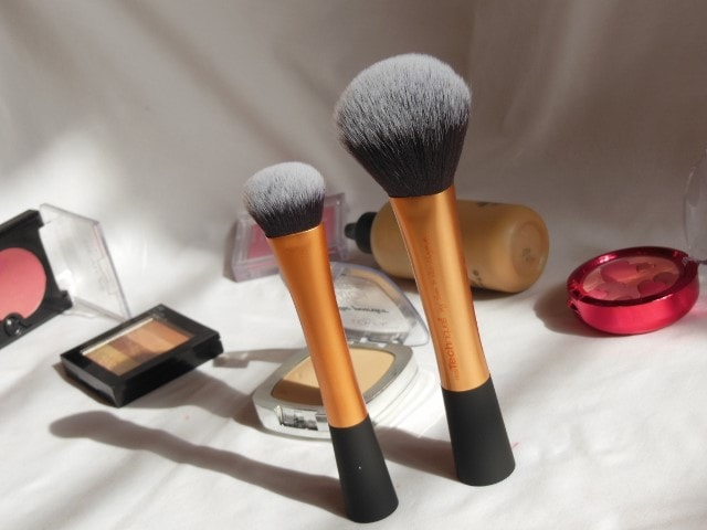 Real Techniques Makeup Brushes- Expert face Brush and Powder Brush