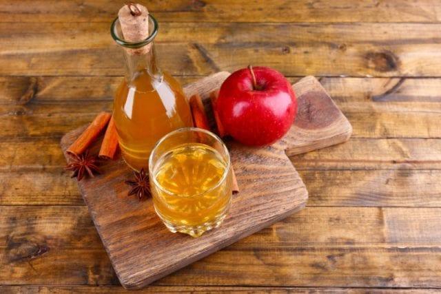 Best Home remedies for Oily Skin - Aloe Veraapple