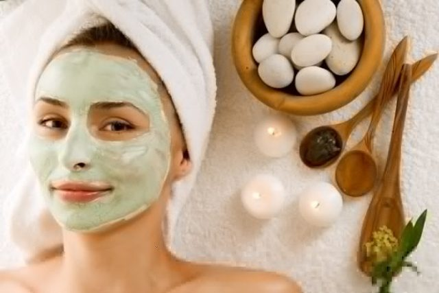 How-to-Do-Facial-At-Home-with-Kitchen-Ingredient- Mint Face Pack for Oily Skin
