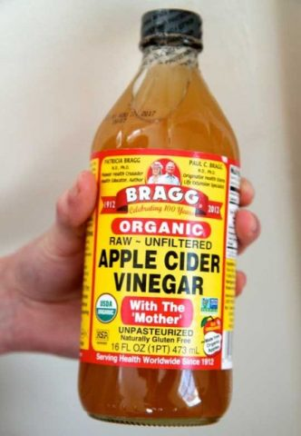 Best Home remedies to Treat Acne - Apple Cidar Vinegar