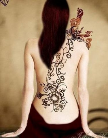 Chand Henna Tattoo Design for Back