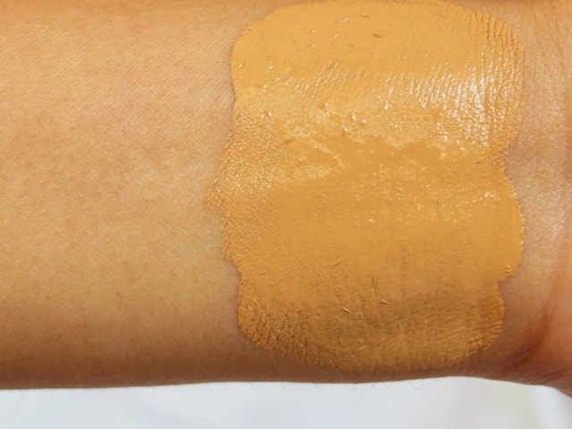 Faces Ultime Pro Second Skin Foundation Sand Swatch 2
