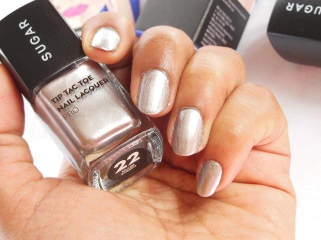 Sugar Cosmetics Tip Tac Toe Nail Lacquer - SIlver Screen