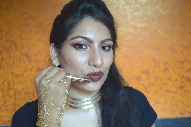 Lakme 9to5 Primer + matte Lipstick - Cabarnet Category Lip Swatches