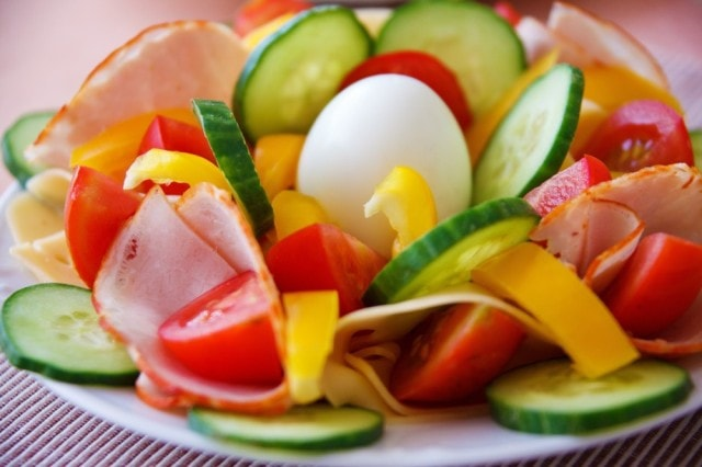 Frozen food is as nutritious as fresh salad