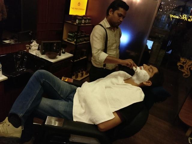 Premium Men's Grooming Salon The Refinery Delhi