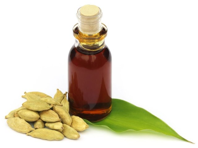 Best Essential Oils for weight loss - Cardamom Essential Oil
