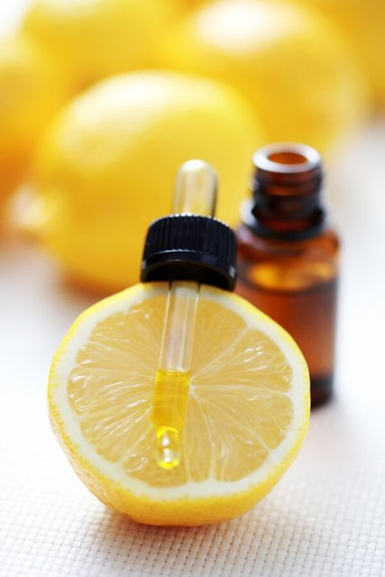 Best Essential Oils for weight loss - Lemon Oil